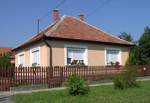 2005 bulgaria for Piccole case quadrate